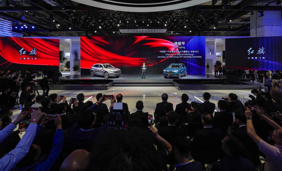 红旗品牌携首款豪华B级SUV亮相上海车展 引领中国品牌向上发展