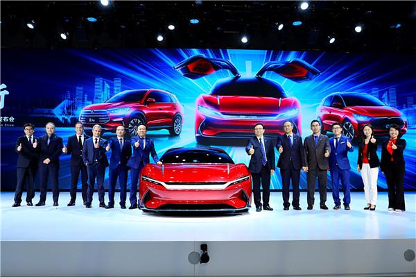 """邁入強大中國車時代 比亞迪上海車展攜龐大陣容矩陣式""""向新而行"""""""