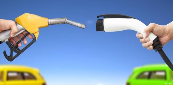 """新能源造车势力""""上坡遇阻"""",为今之计拼的又该是什么"""
