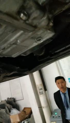 大众-迈腾迈腾新车买来不到两个月发动机,变速箱漏油!