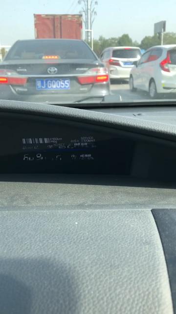 本田-杰德儀表盤右側小屏閃爍且黑屏
