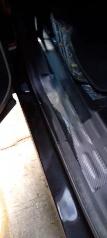 東風小康-風光ix7兩邊的后車門和車門鎖漏水嚴重
