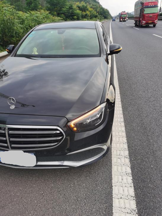 北京奔馳E級車輛輪胎質量太差,致使半年內三個輪胎爆胎三次