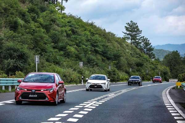 TNGA家族首款中级车再次升级 试驾广汽丰田全新换代雷凌