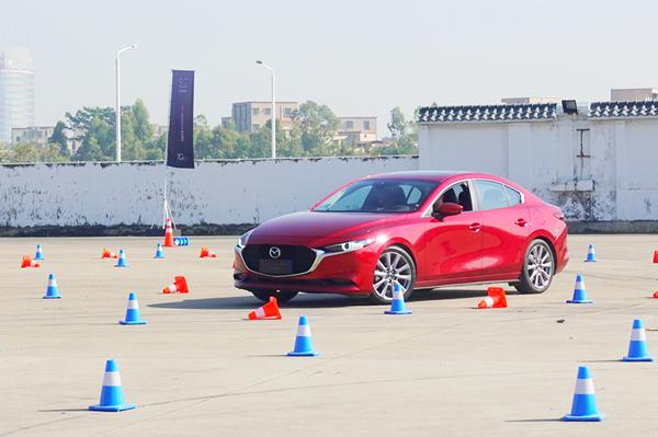 """對""""人""""應該存有更多的敬畏之心,這才是我們所喜愛的次世代Mazda3昂克賽拉"""