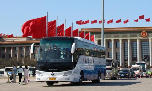 服务于2019两会的欧辉BJ6120城间客车