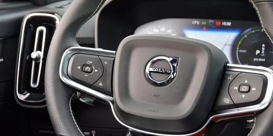 沃尔沃汽车安全专家:更广泛的提升现代科技应用以防止分心驾驶