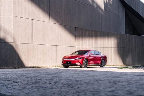 汉EV双优安全的背后,是比亚迪造车的韧性与灵性