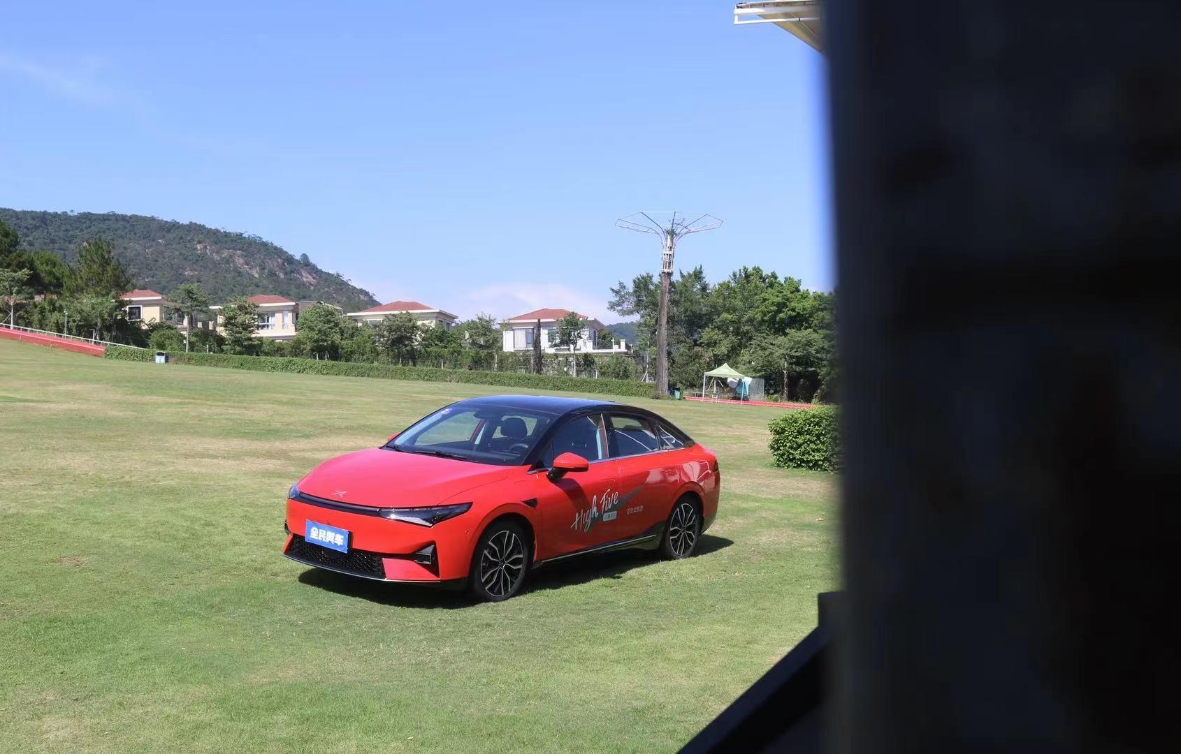 体验小鹏第三款量产车型-P5,综合实力最强的20万级纯电家轿?