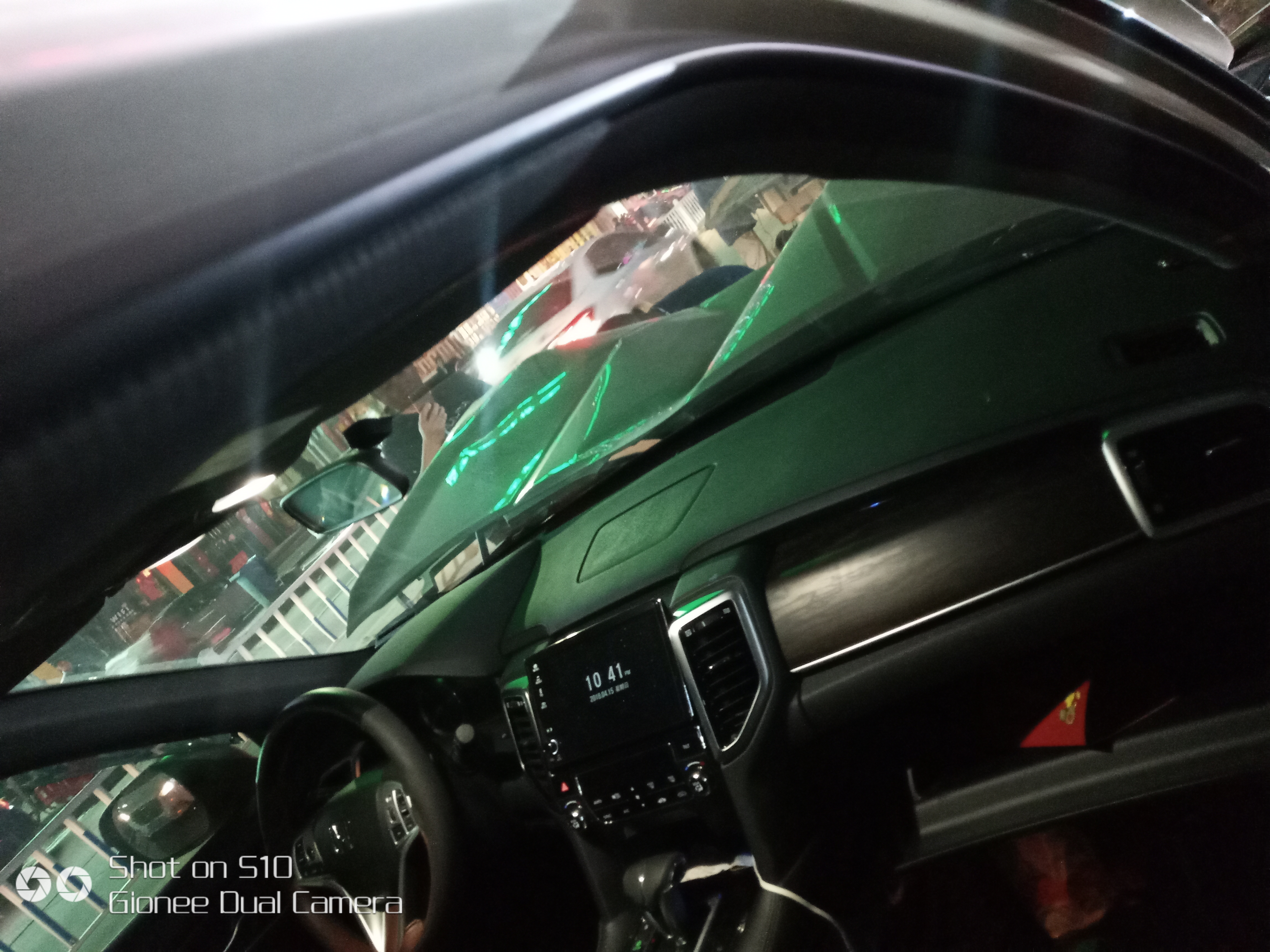 东风本田-本田UR-V 车辆出现事故,安全气囊并未弹出