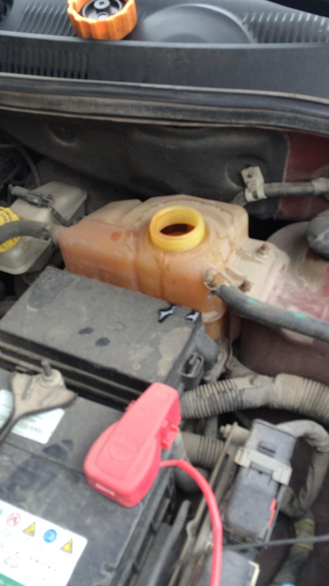 上汽通用-乐风  水箱烧干了没有提示