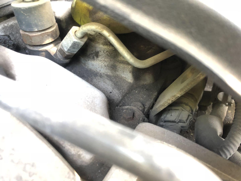 华泰99XXXX开心-圣达菲经典  缸盖漏油,油底壳漏油,在保期间内不予索赔维修