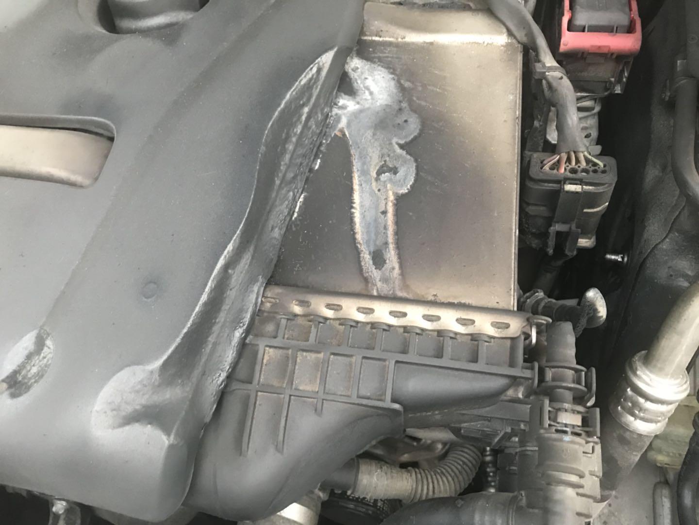 奔驰-奔驰C级 车辆自燃,厂家拖沓不处理,且拒绝出具事故报告