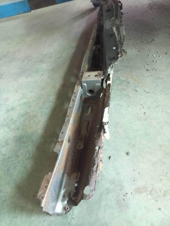 吉利汽车-经典帝豪 车身严重生锈,影响行车安全