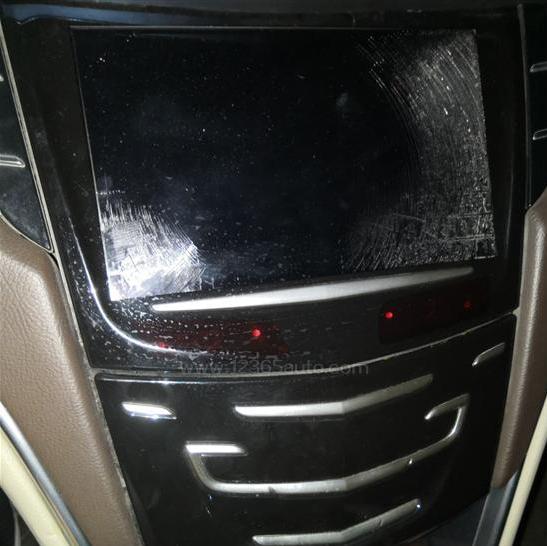 上汽通用-凯迪拉克XTS 触控屏幕整体失灵开裂
