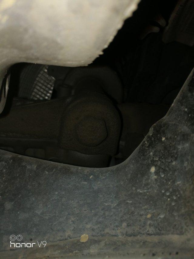 沃尔沃-沃尔沃XC90 车子发动机,曲轴,方向机,传动轴底盘质量问题不断,4S维修拖延