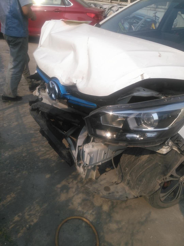 北汽新能源-EX系列 北汽新能源车刹车失灵导致严重事故