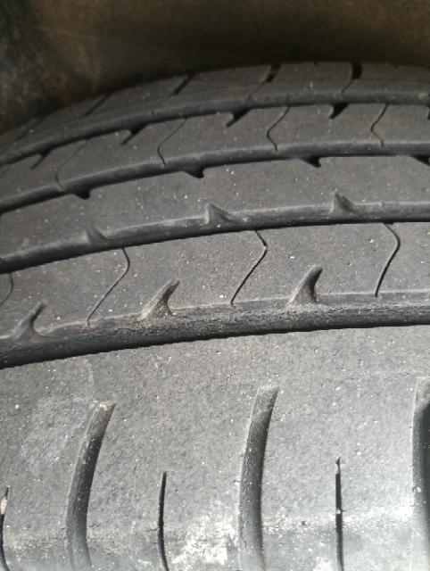 东风日产-启辰T70 一年新车轮胎吃胎严重