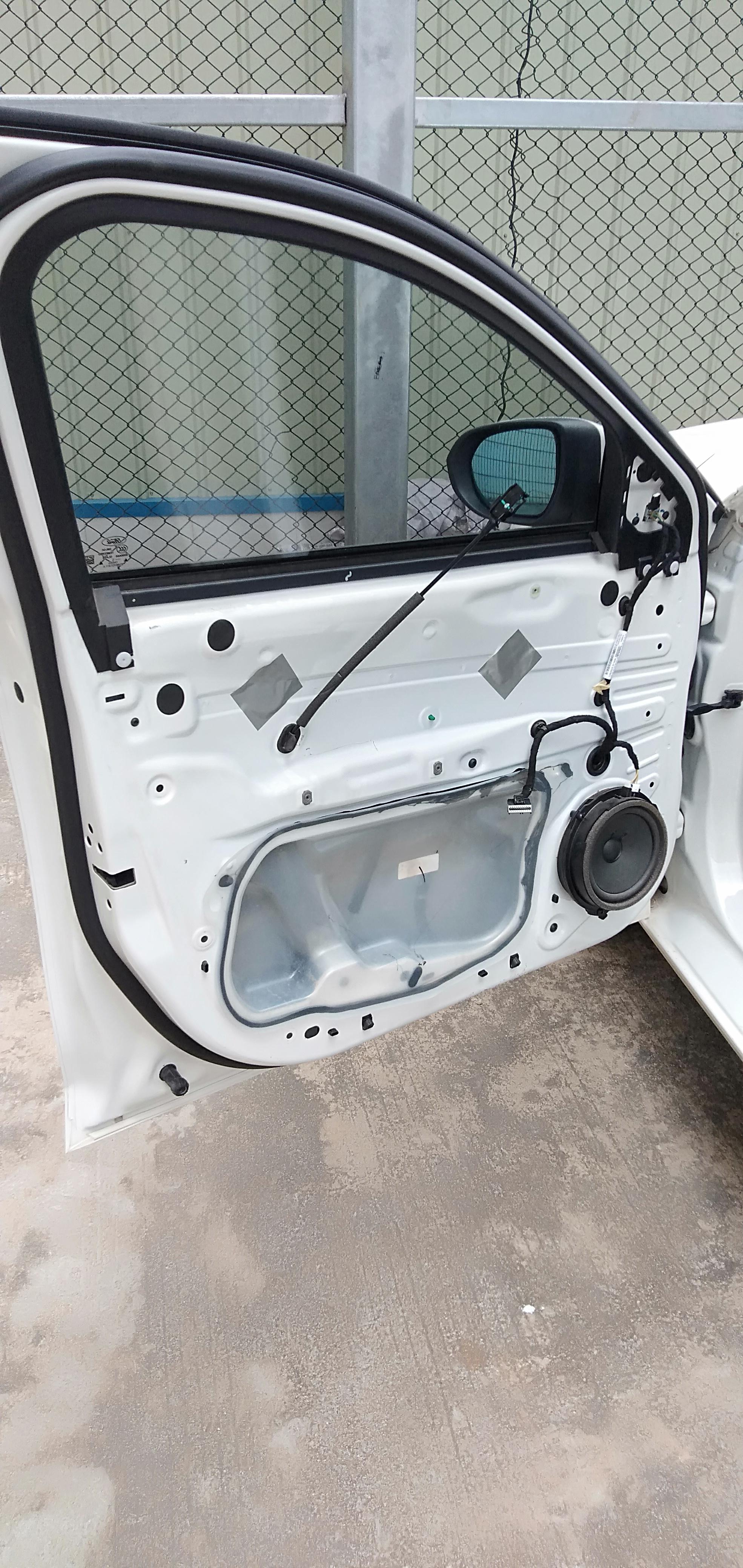 长安福特-福睿斯 驾驶舱左侧门窗不能升降