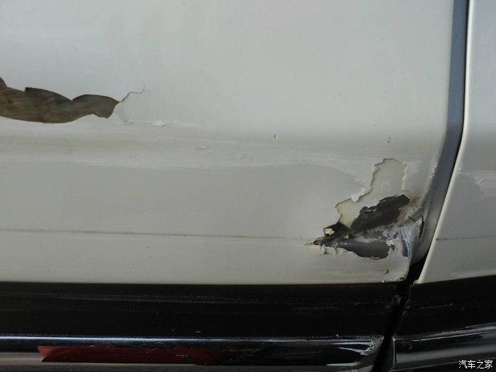 长安汽车-长安CS75 新车就出现二次喷漆