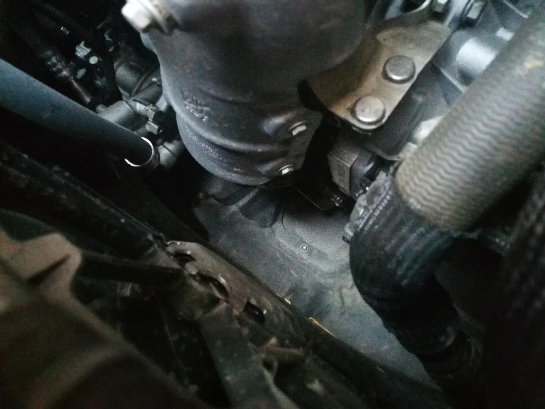上汽通用-别克GL6 严重漏油问题