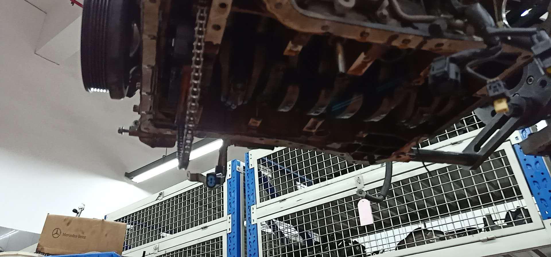 奔驰-奔驰E级 M271凸轮轴调节器问题,发动机有铝屑和铁屑,4S店查不出原因和磨损部件