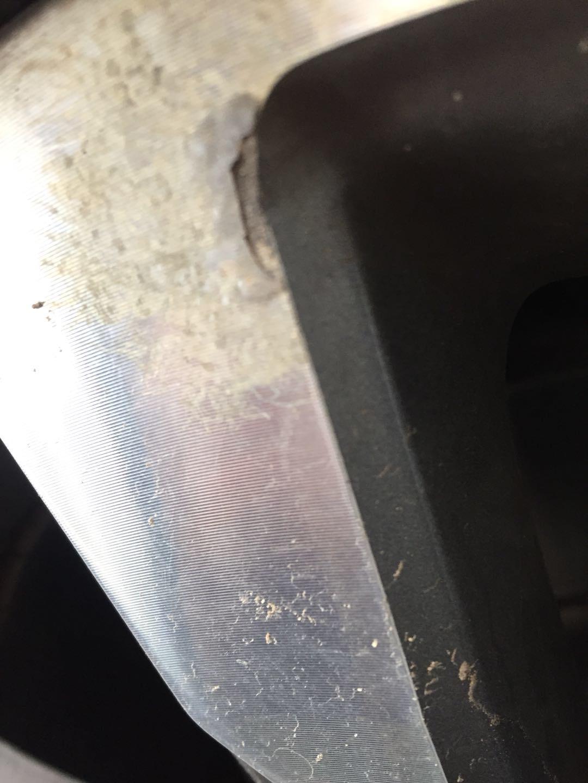奔驰-奔驰E级 保修期内轮圈出现锈蚀痕迹