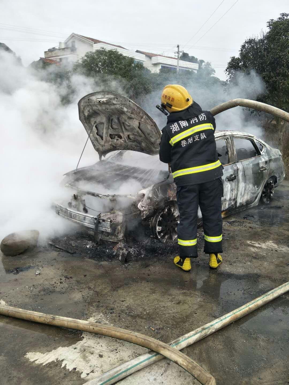 日产-轩逸 车辆在静置状态下无故自燃