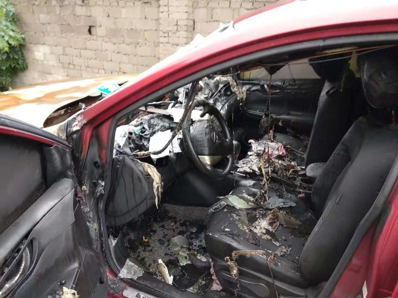 東風-途達 車輛行駛中就突然熄火自燃了