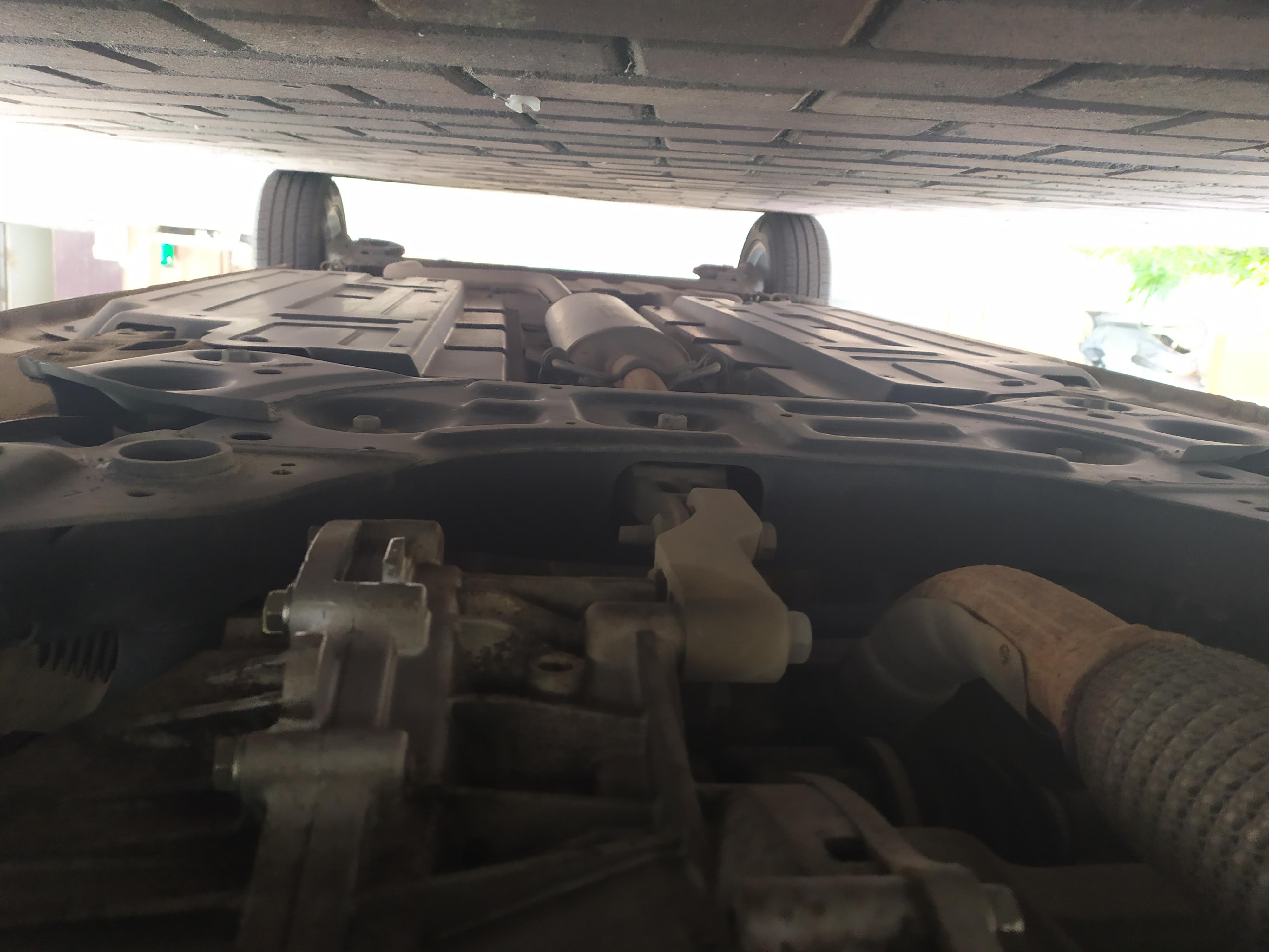 上汽通用五菱-宝骏360 第二次保养的时候发现变速箱漏油