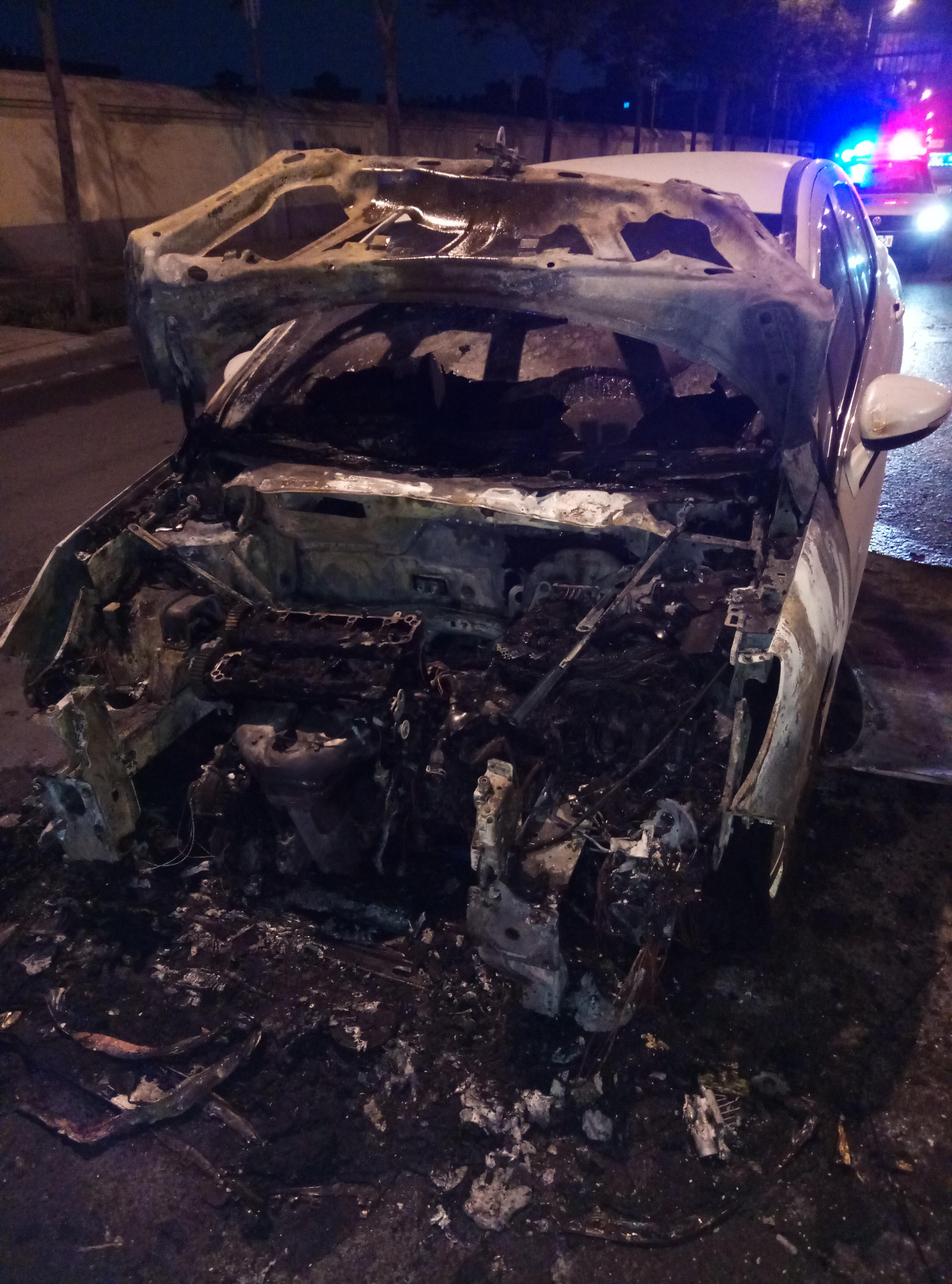 东风标致-标致308 全程4S保养,未私自改装,3年半的车正常行驶自燃烧报废