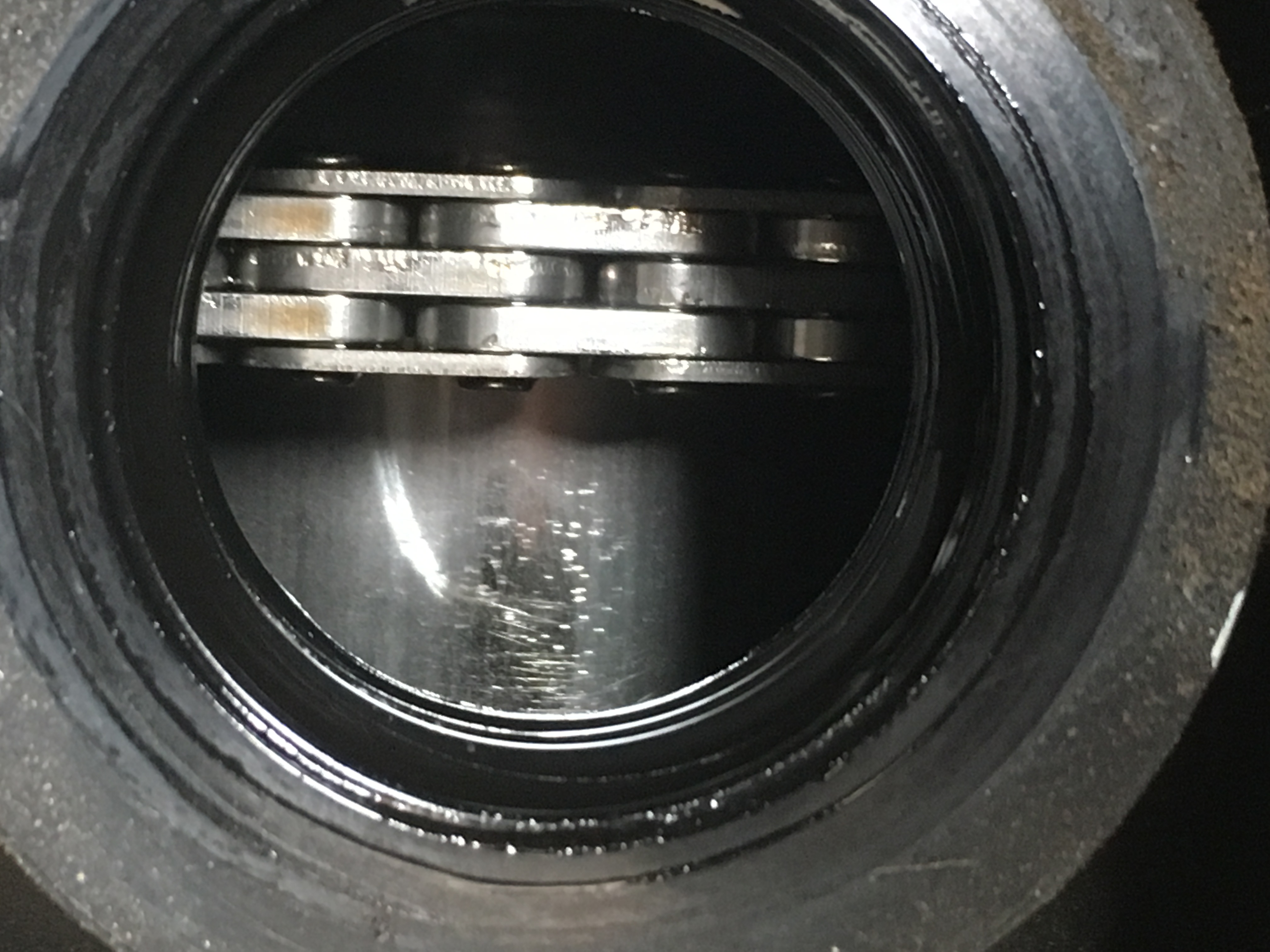 長安汽車-長安CS75 發動機內部件有劃痕磨損