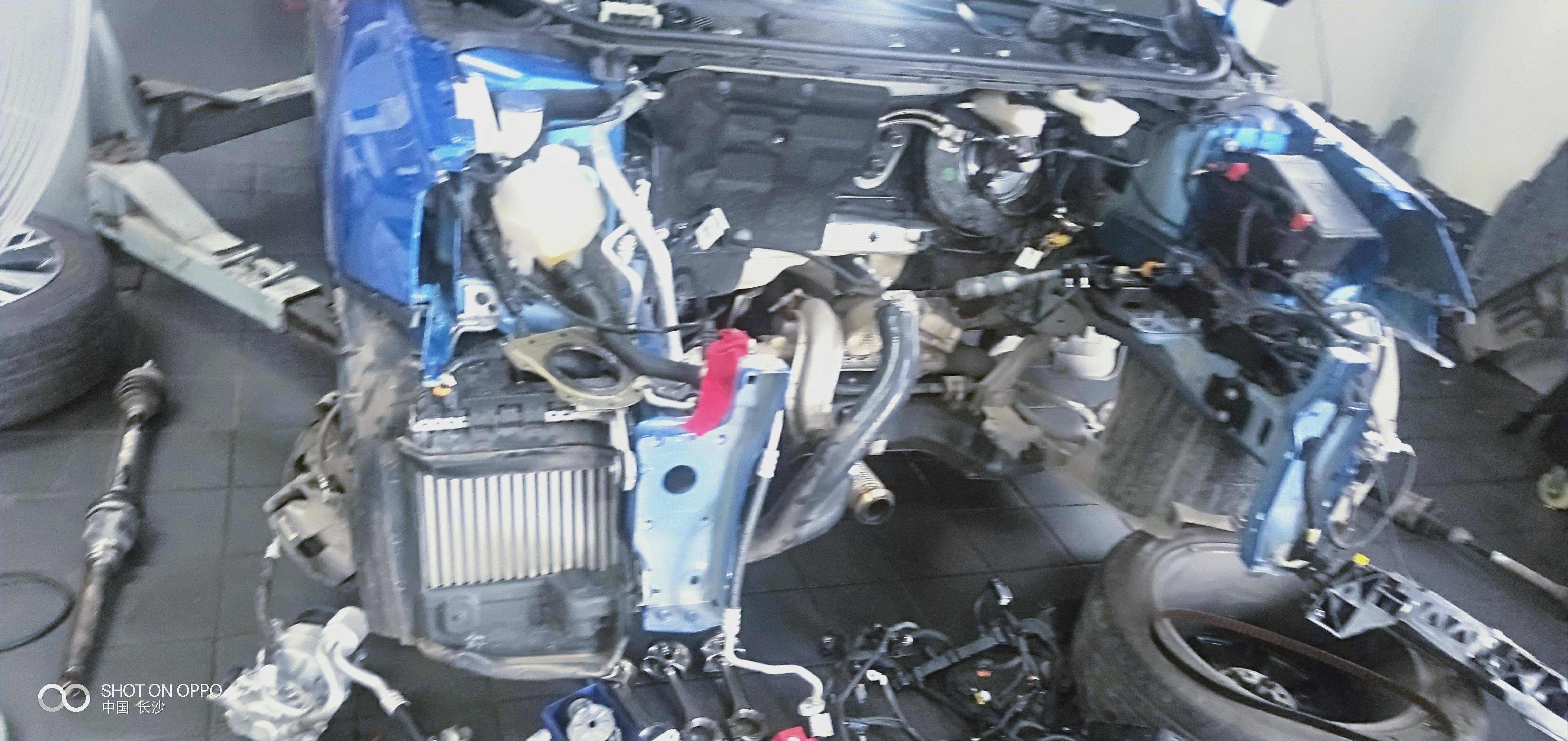 東風標致-標致408 新車不到一個月出現漏油,在我不知情把發動機全部拆散了,要求全款退車