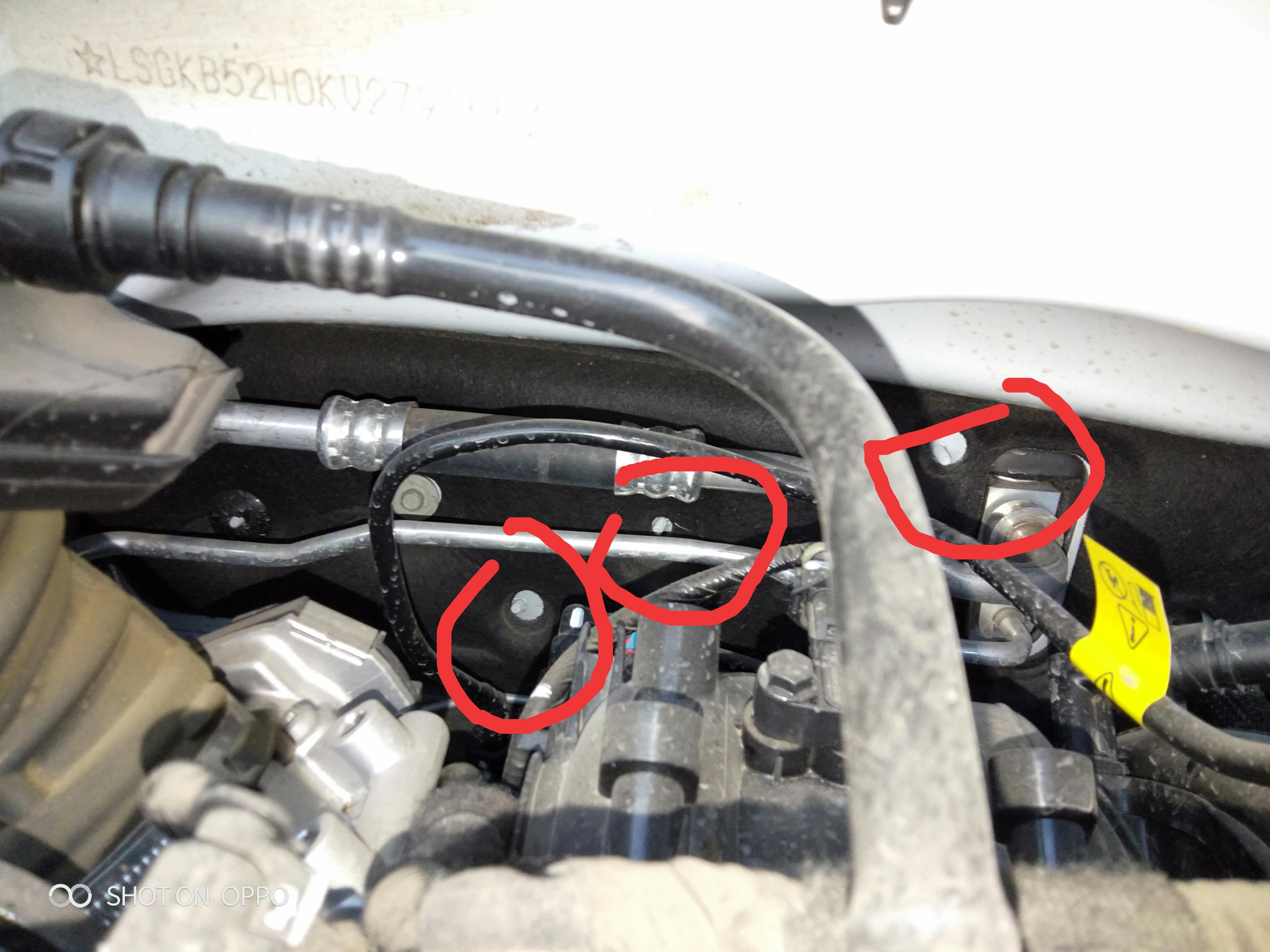 上汽通用-科沃兹 两天不开电频就没电,找不着火,油表乱跳