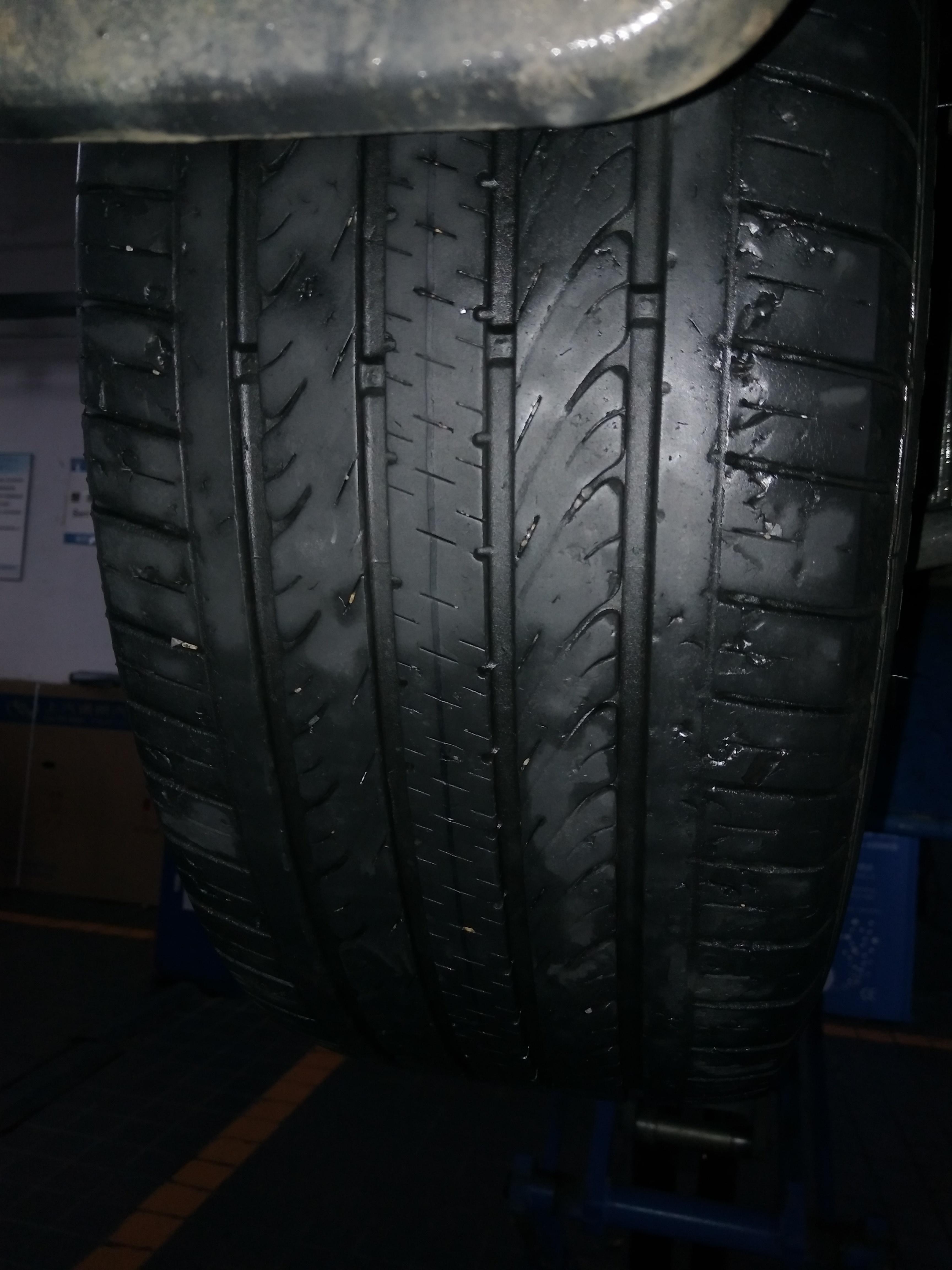 上汽通用-英朗 轮胎磨损异常,大面积掉皮