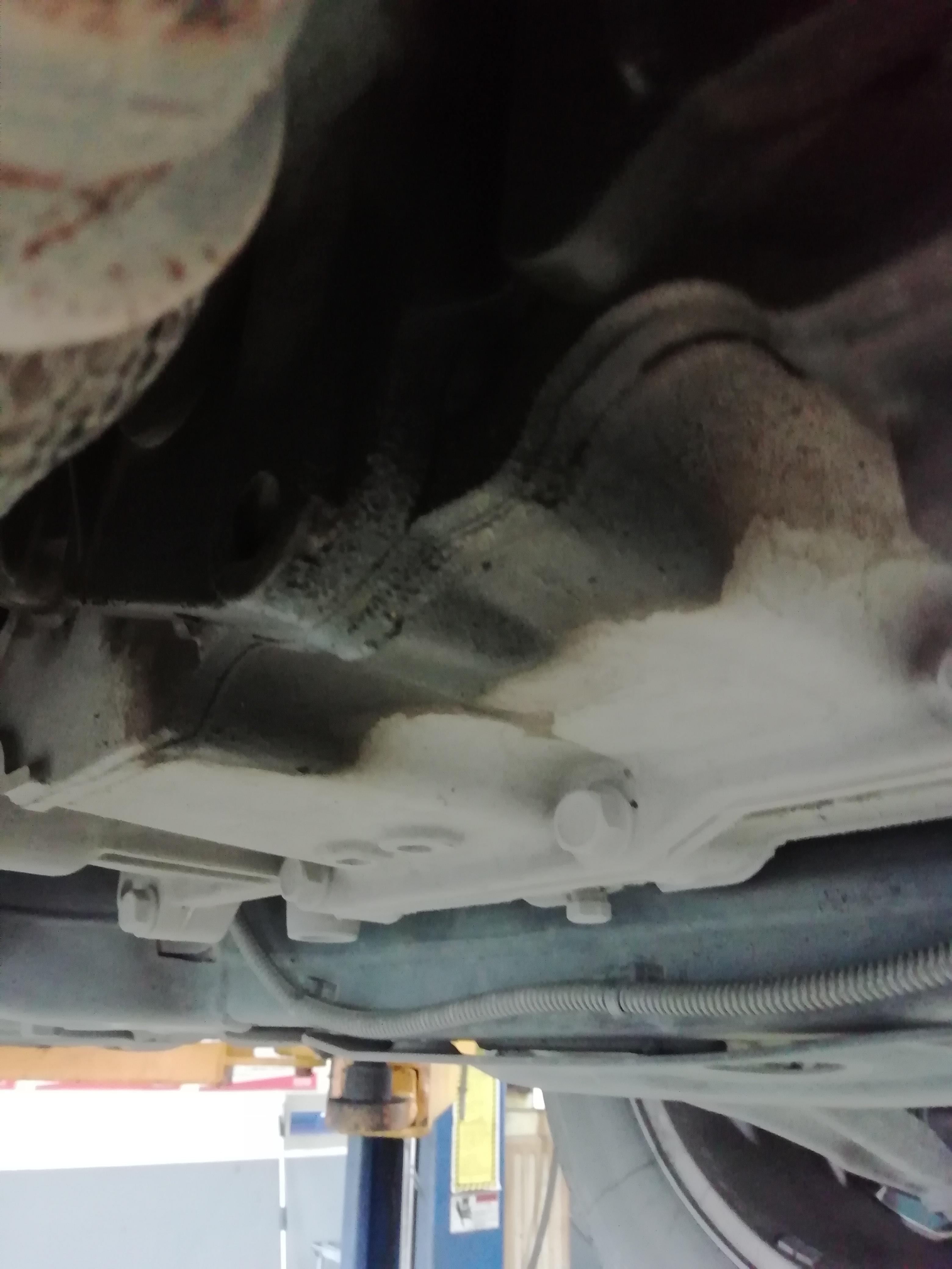 上汽通用-英朗 变速箱不能升挡发动机漏油