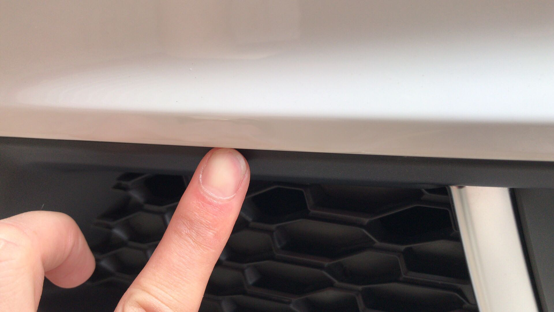奥迪-奥迪A4L 珠海利恒奥迪销售二次喷漆的车辆