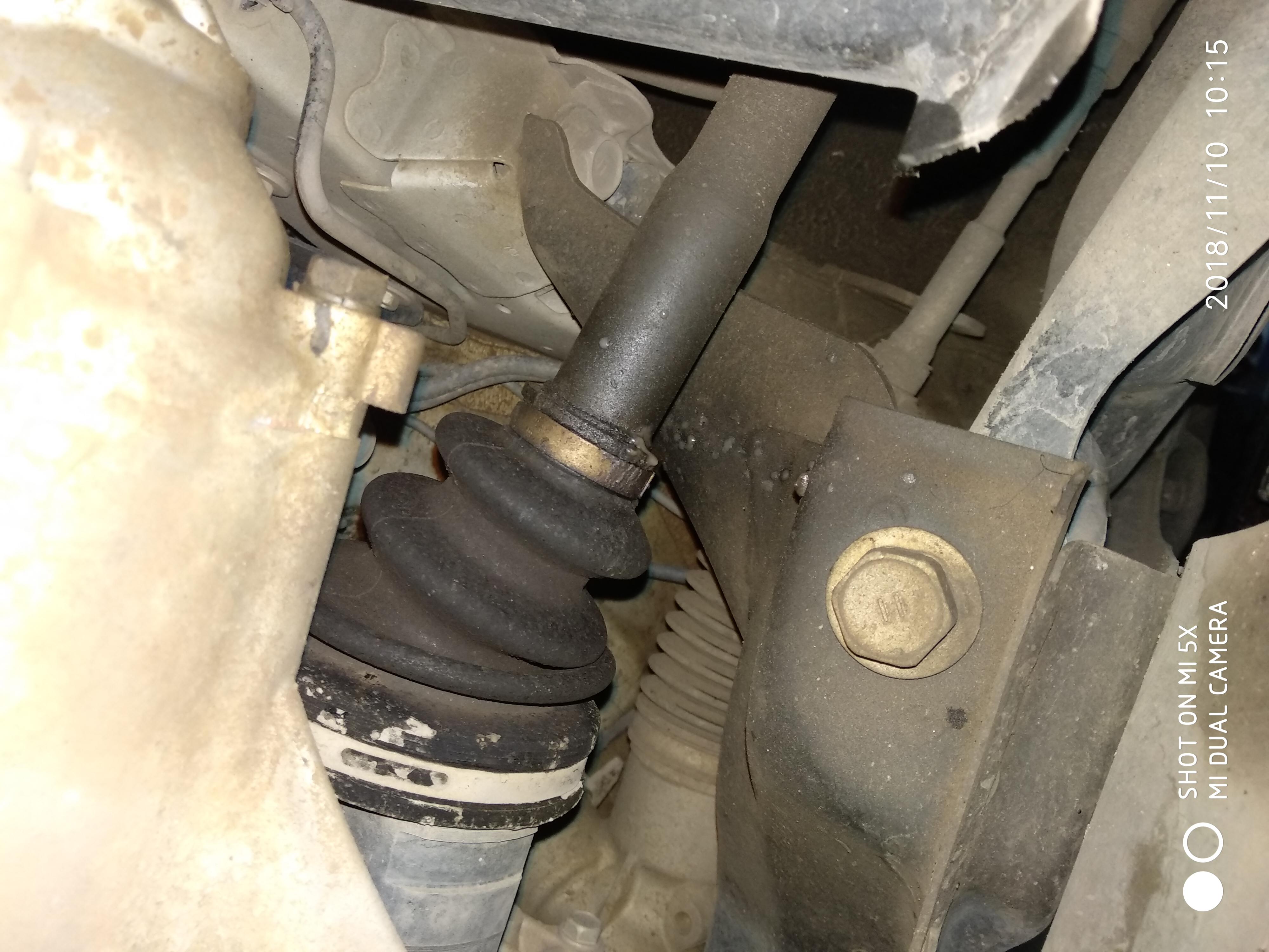 丰田-威驰 球笼漏油,两边都漏油