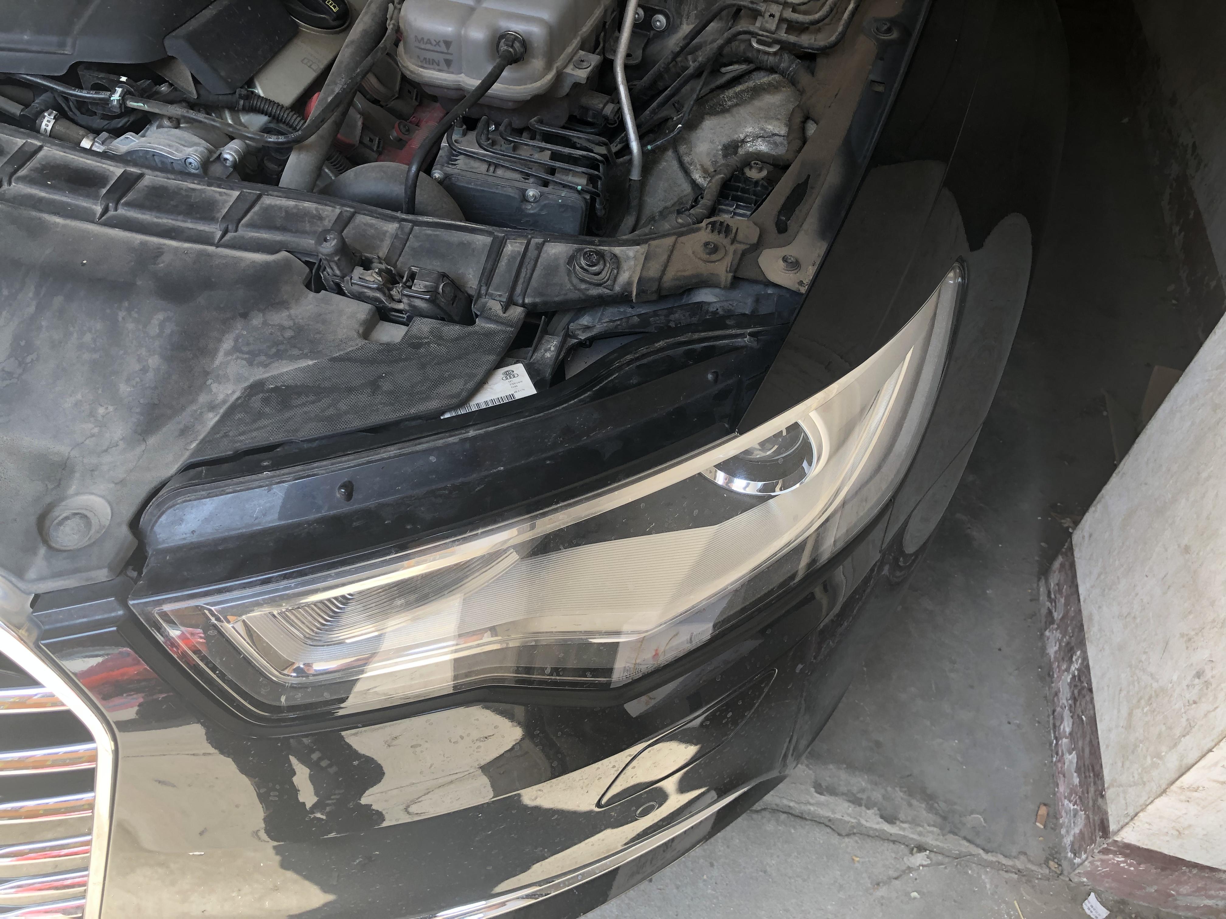 奧迪-奧迪A6L 汽車大燈塑料件質量差