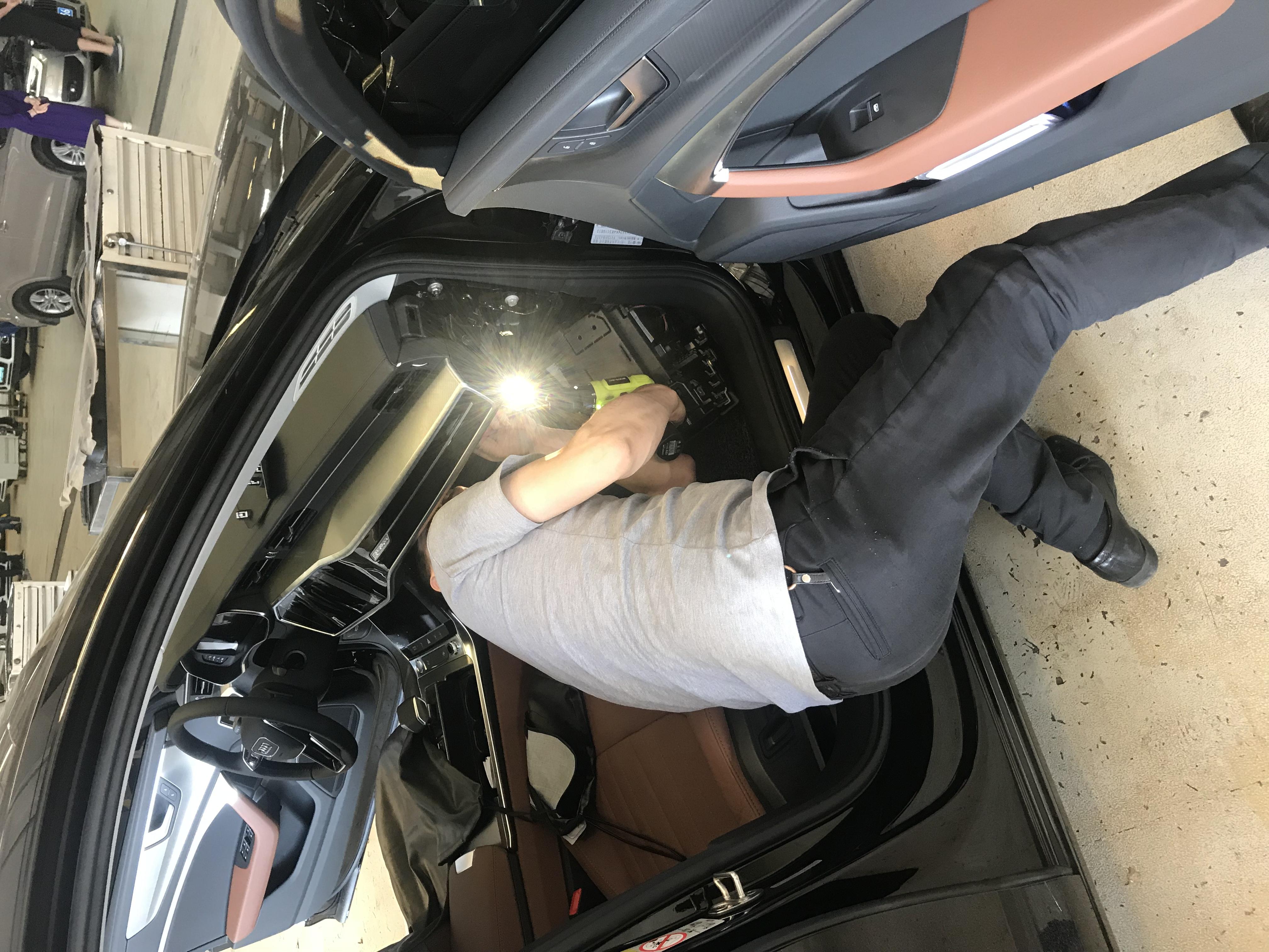 奥迪-奥迪A6L 车辆问题太多,新车就拆得乱七八糟了