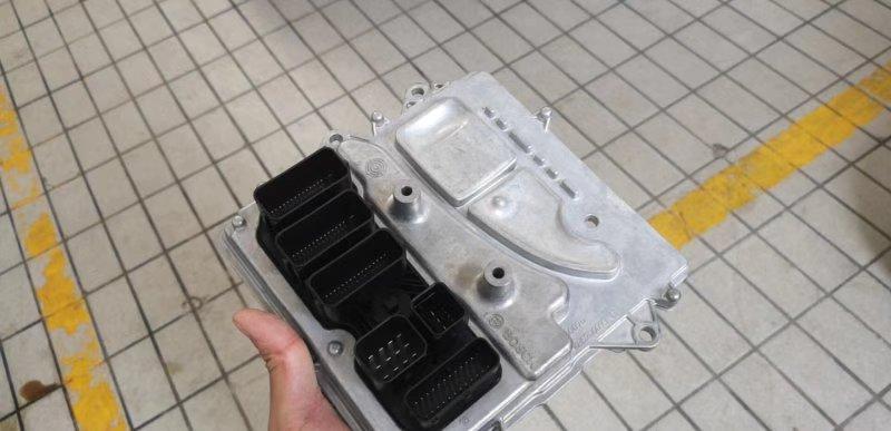 宝马-宝马X5 购车半年发动机打不着火,多次维修还是不行,4S店和厂商不处理