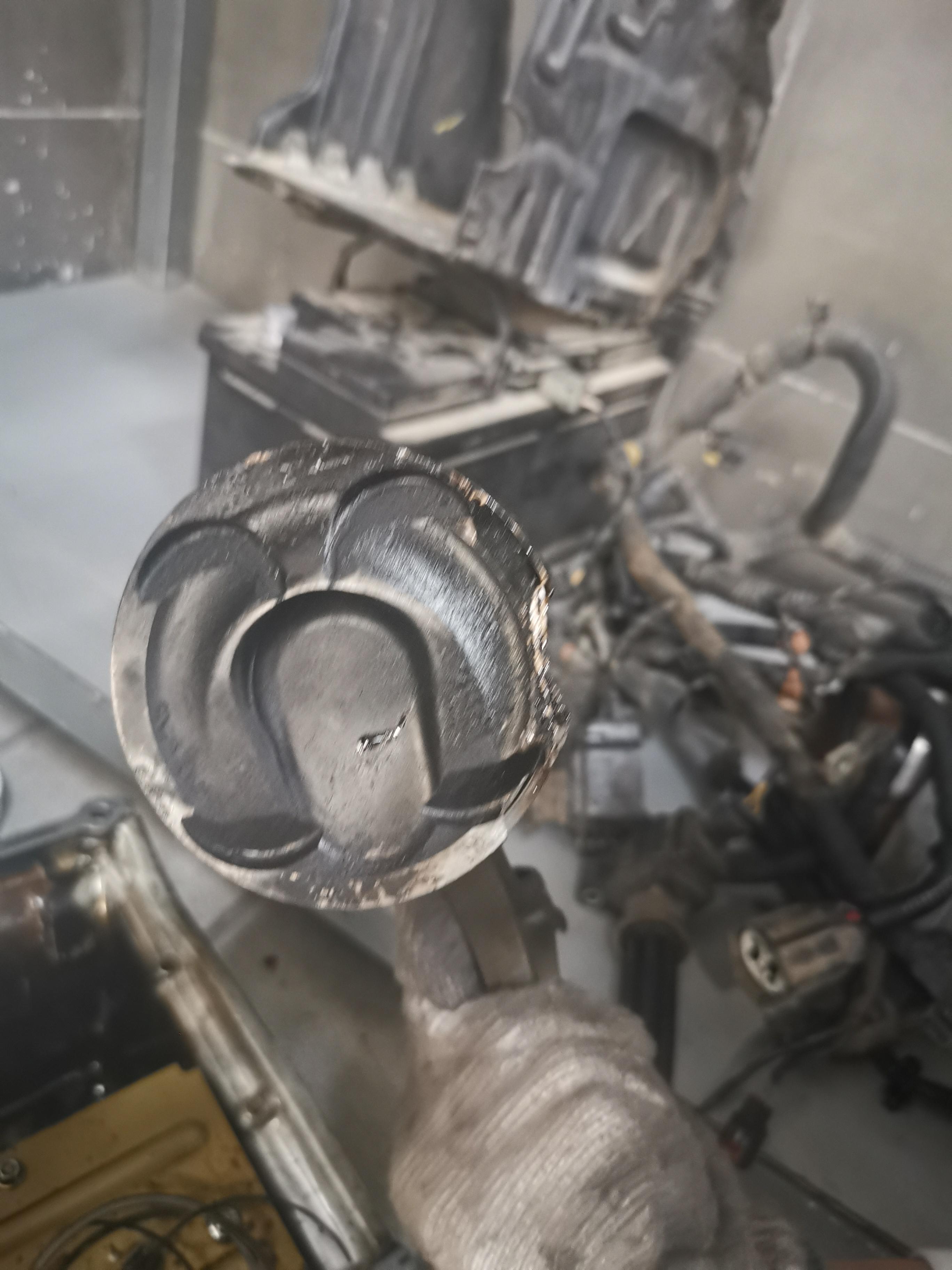 沃尔沃-沃尔沃XC60(进口) 发动机活塞断裂