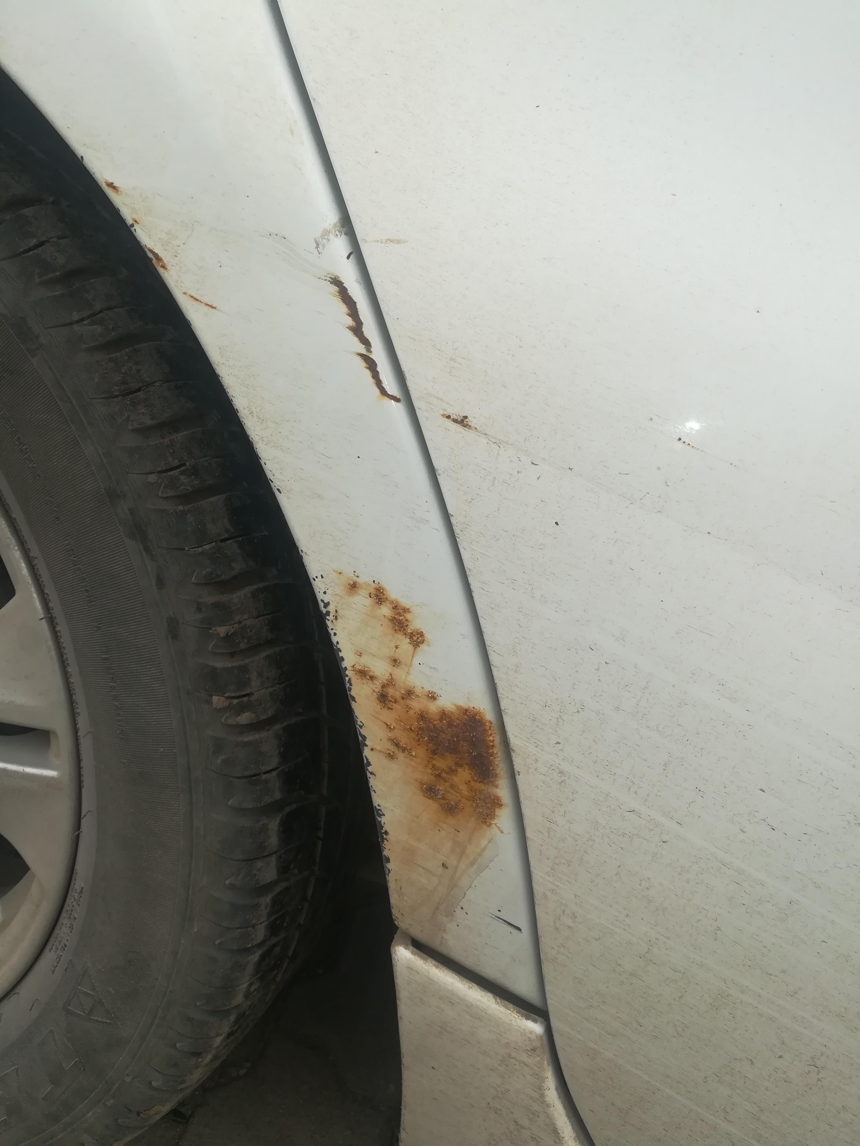 吉利汽车-自由舰 车身腐蚀严重
