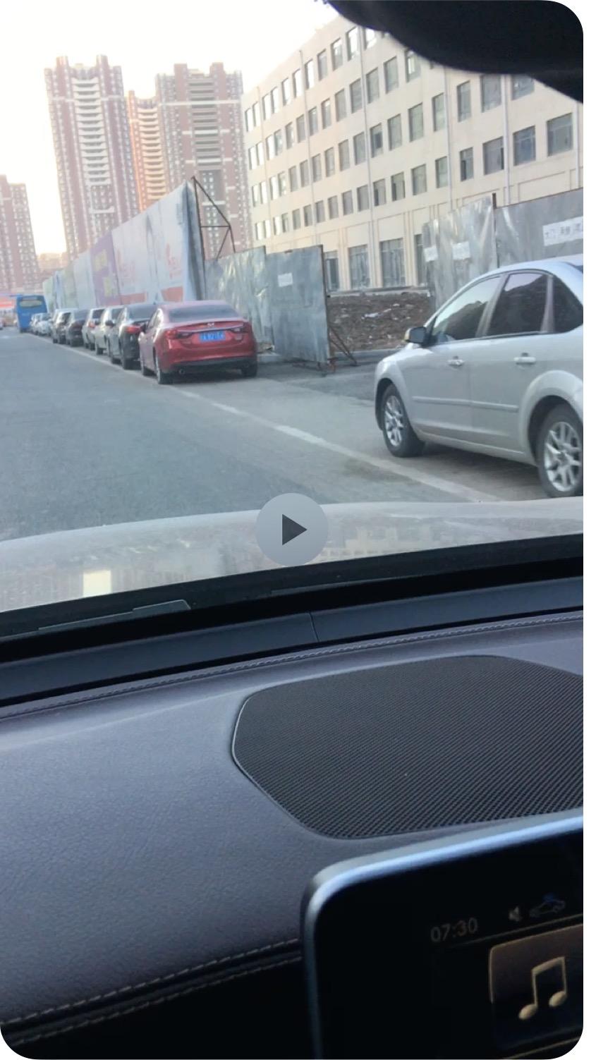 奔驰-奔驰GLC 新车两个月开始刹车异响,一年半的时候油表失灵,行驶距离紊乱