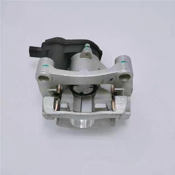 众泰-众泰Z700 刹车分泵卡钳有问题换了无数次,售后拖沓不处理问题