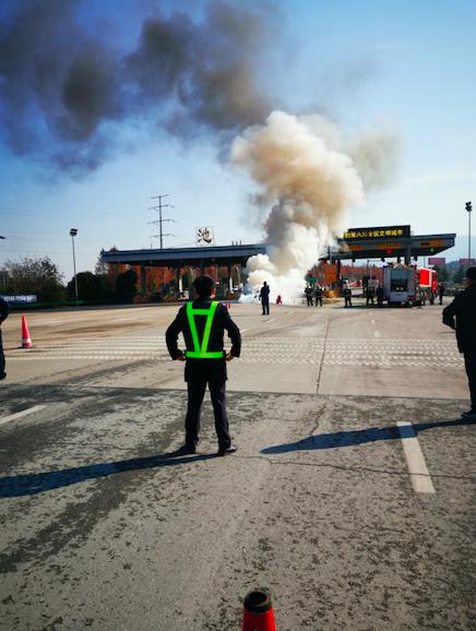 长安福特-福克斯   涡轮机油泄露导致自燃