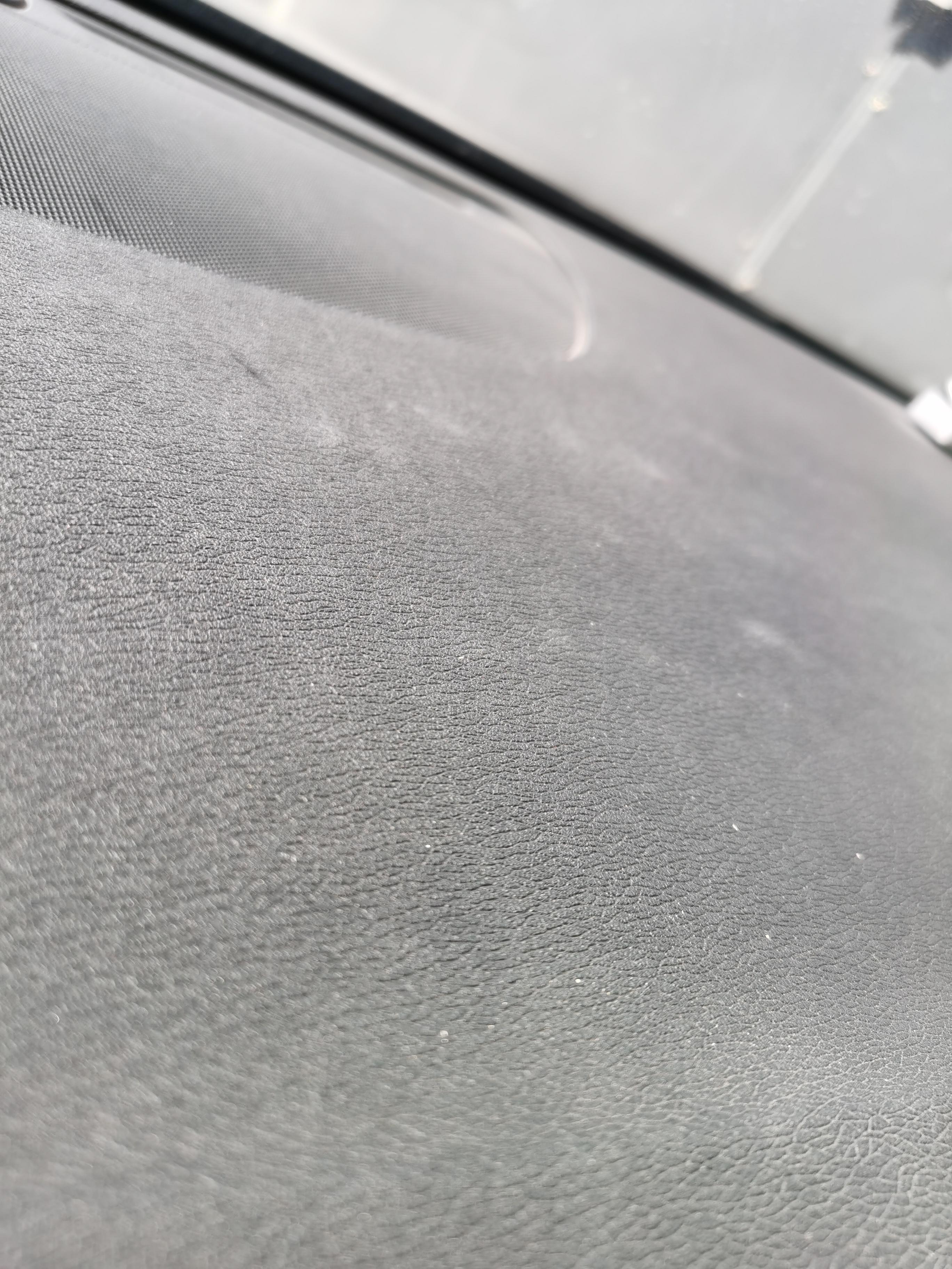 沃爾沃-沃爾沃S90 不到兩年的車,儀表臺鼓包, 4s竟然不管 ,態度相當惡劣