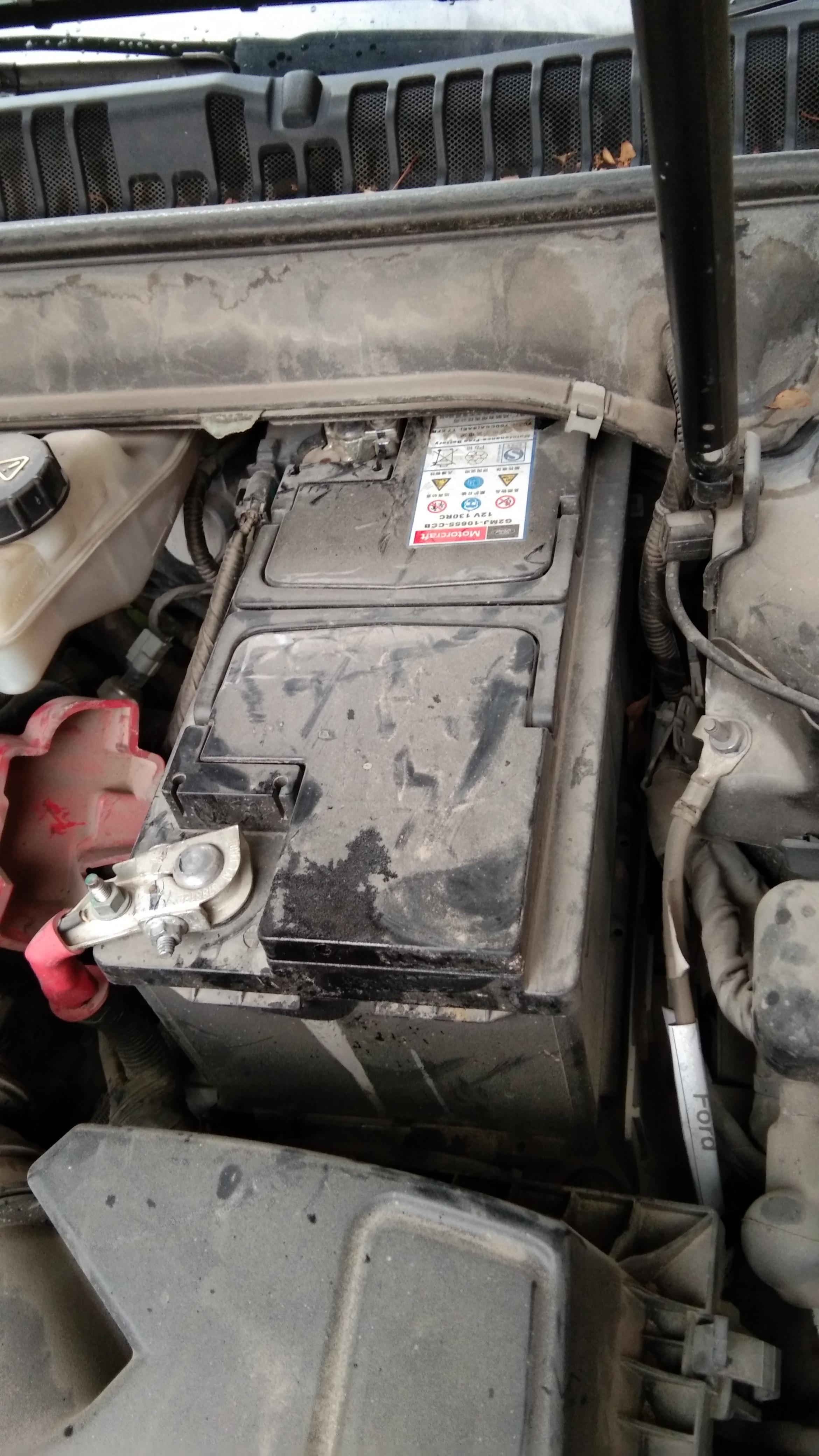 福特-蒙迪歐 電瓶用1年多就壞,太垃圾了