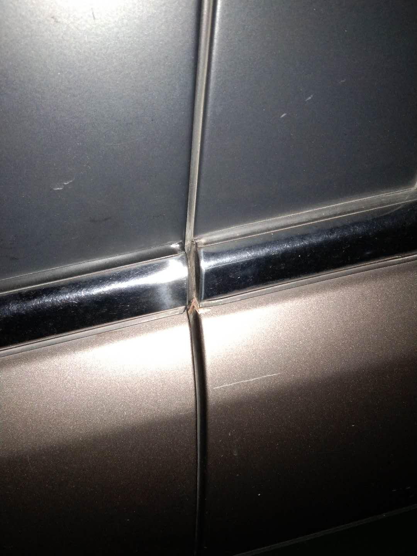 奇瑞-艾瑞澤7 車漆鼓包生銹