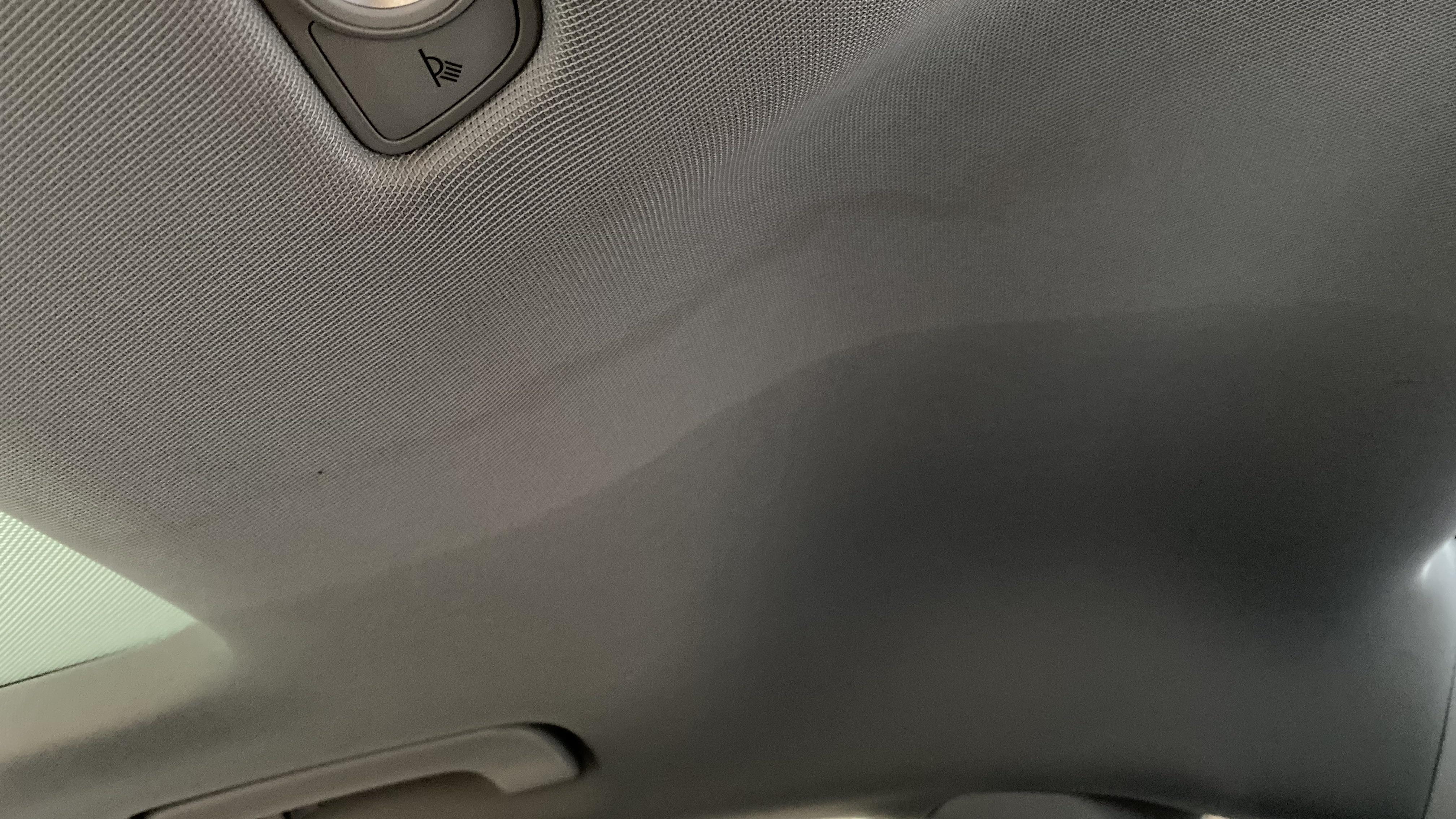 奥迪-奥迪础4尝 99XXXX开心天窗漏水,造成顶棚脏污
